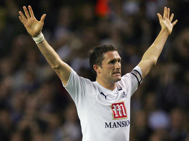 Tottenham's Captain Robbie Keane celebra
